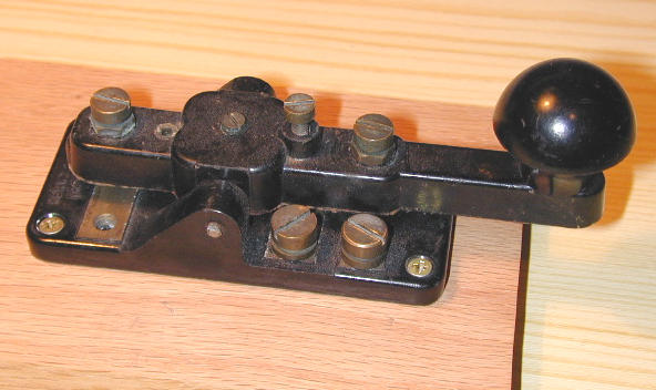 Telegraph key marked KEY W.T. 8 AMP N. 2 MKIII