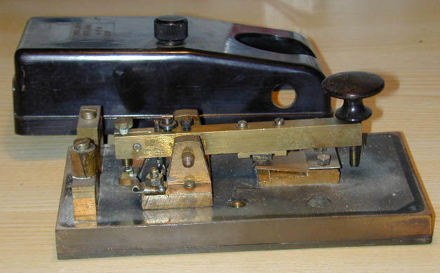 Air Ministries type-D morse key