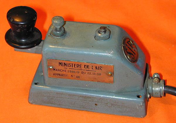 WWII French Air Ministry telegraph key